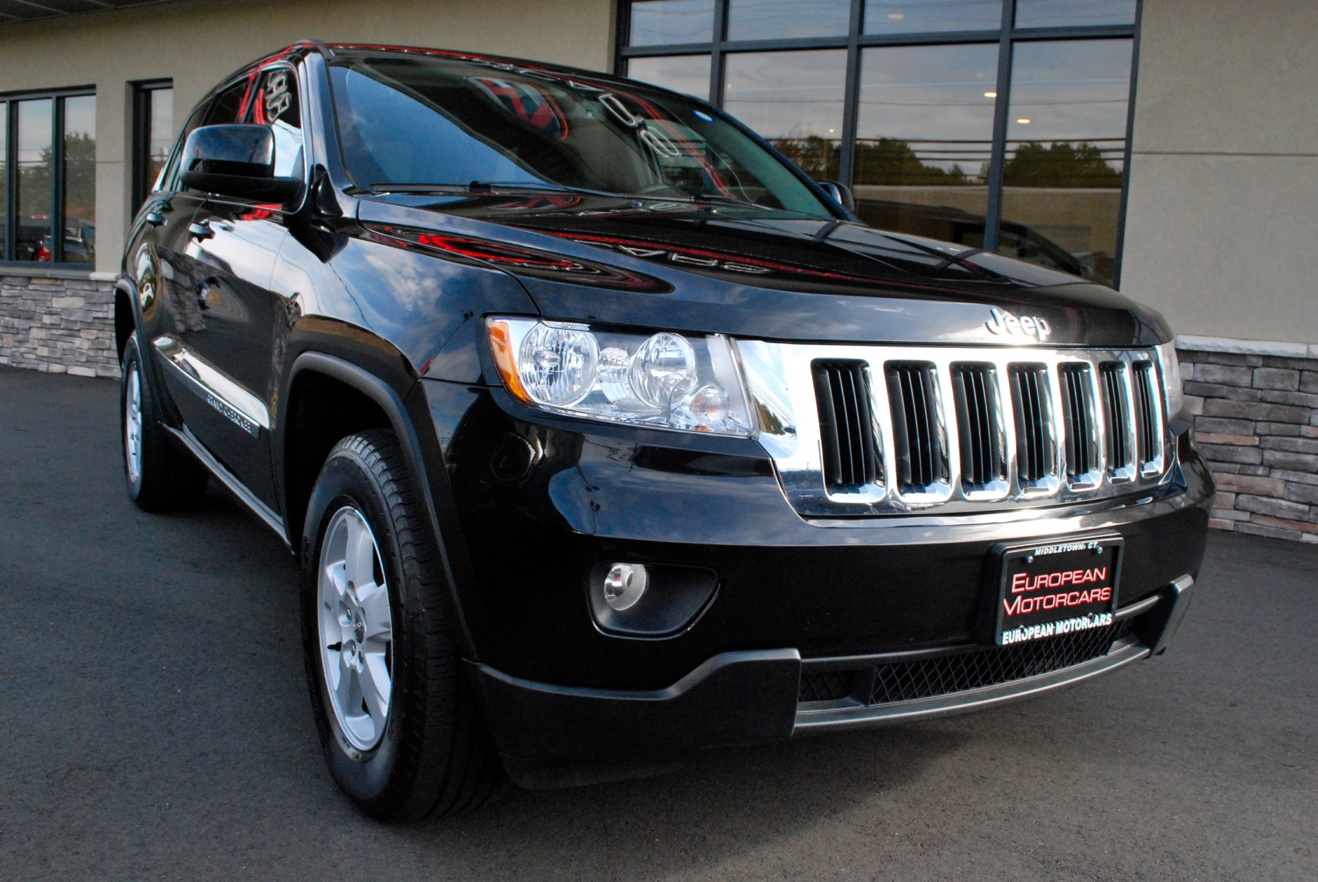 2012 jeep grand cherokee laredo for sale near middletown ct ct jeep dealer stock 165277. Black Bedroom Furniture Sets. Home Design Ideas