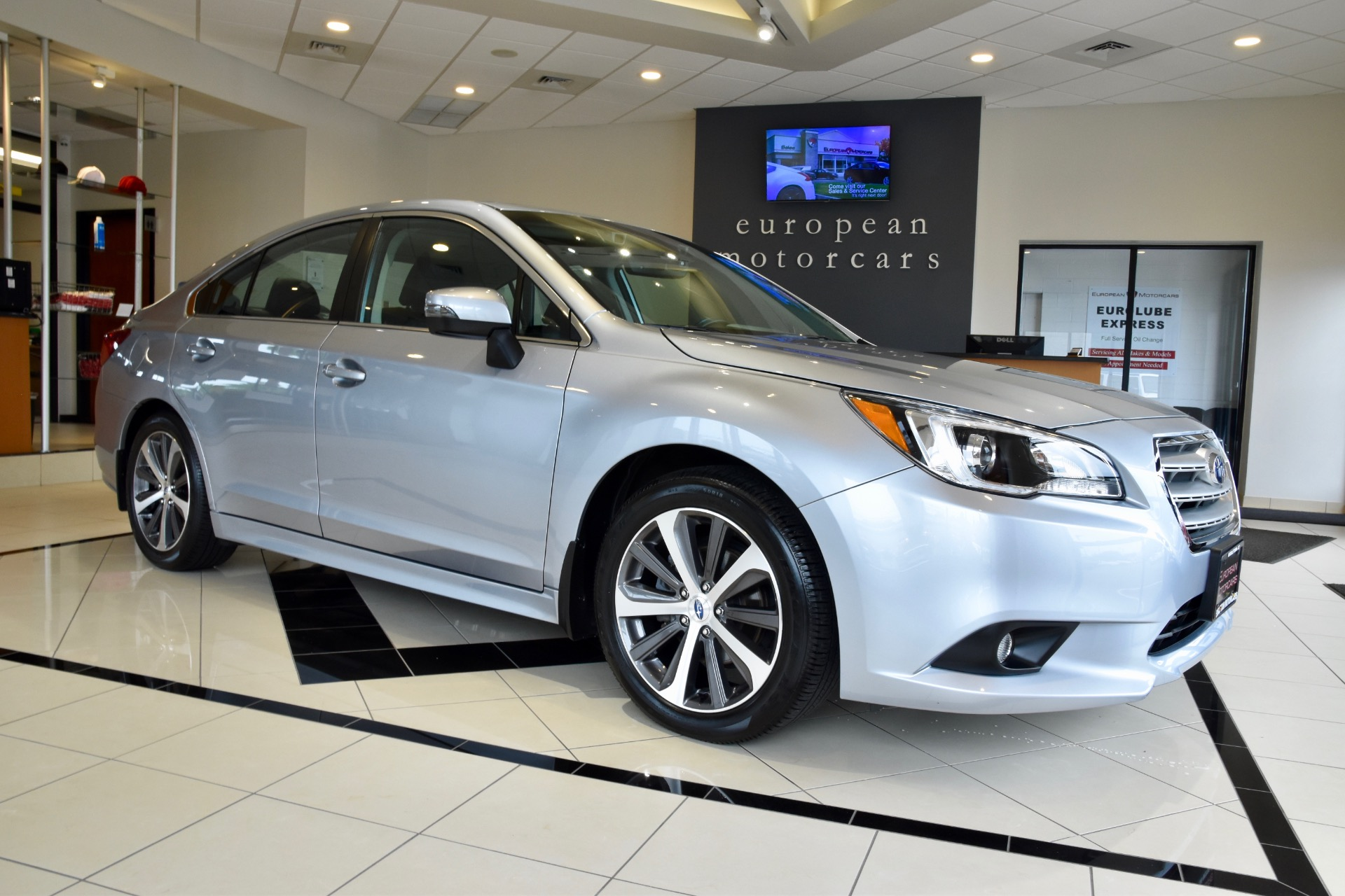 Subaru Legacy: To arm the system using power door locking switch