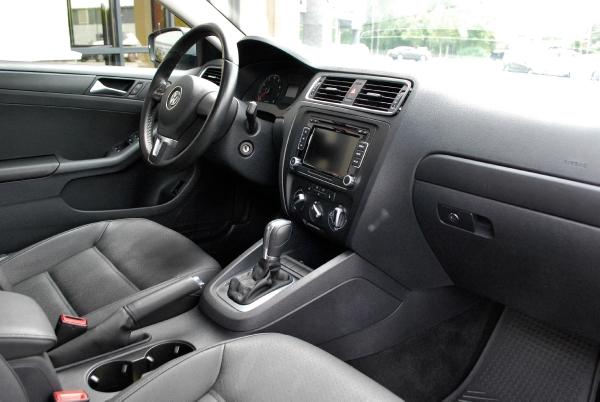 2011 Volkswagen Jetta SE PZEV for sale near Middletown, CT | CT Volkswagen Dealer - Stock # 082250