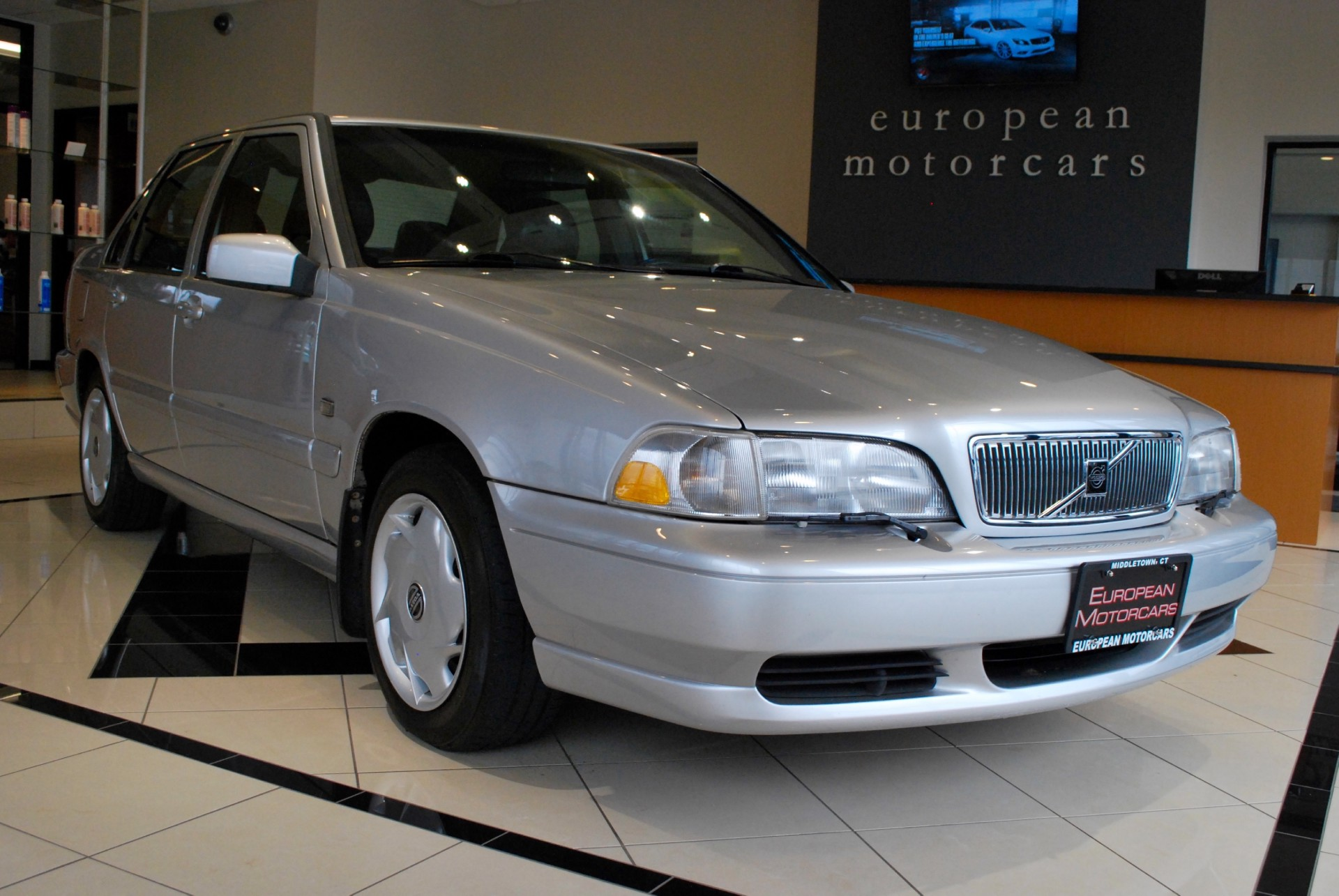 1999 Volvo S70 for sale near Middletown, CT | CT Volvo Dealer - Stock # 568218