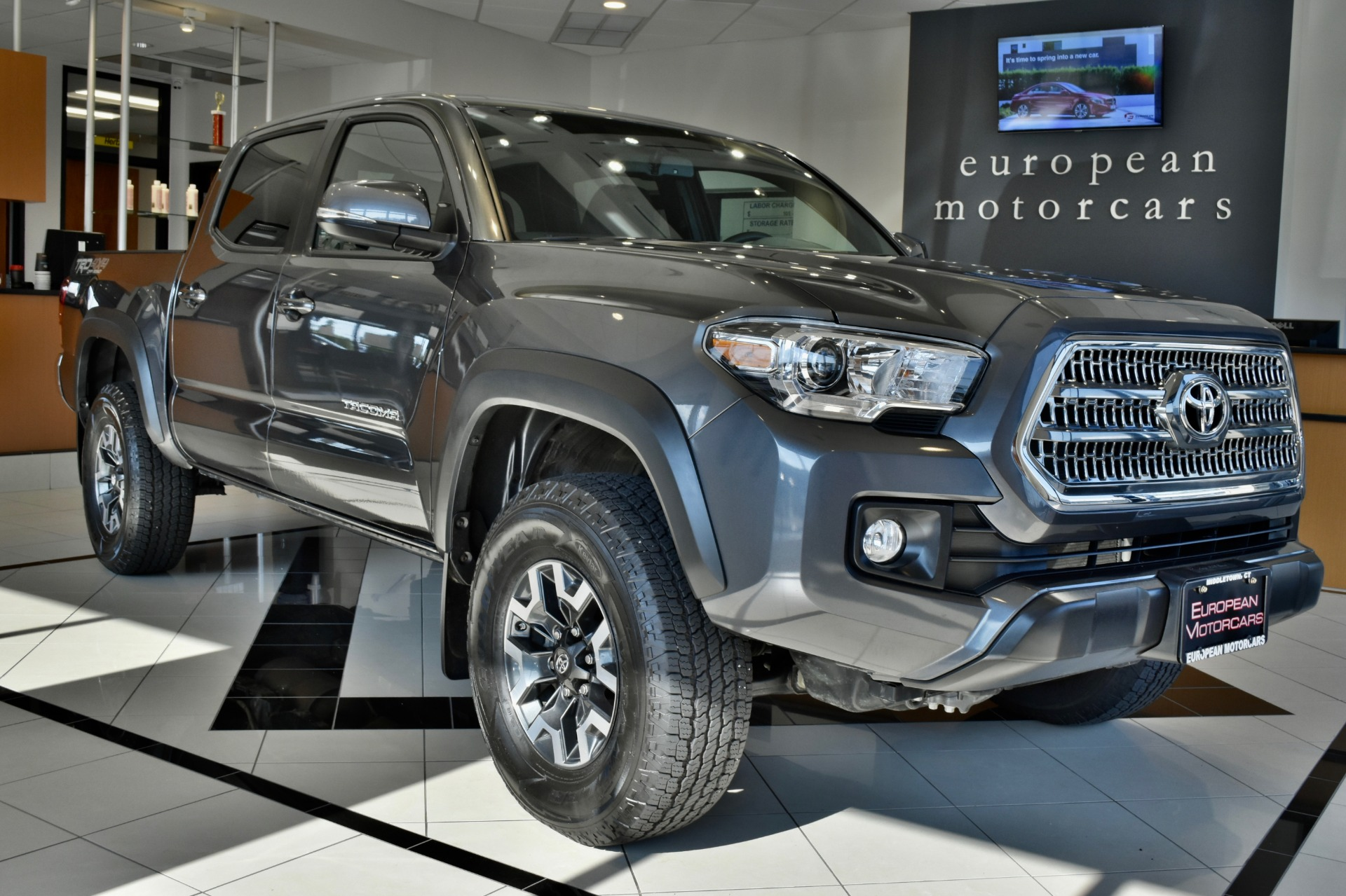 2017 toyota tacoma trd off road for sale near middletown ct ct toyota dealer stock 061782. Black Bedroom Furniture Sets. Home Design Ideas