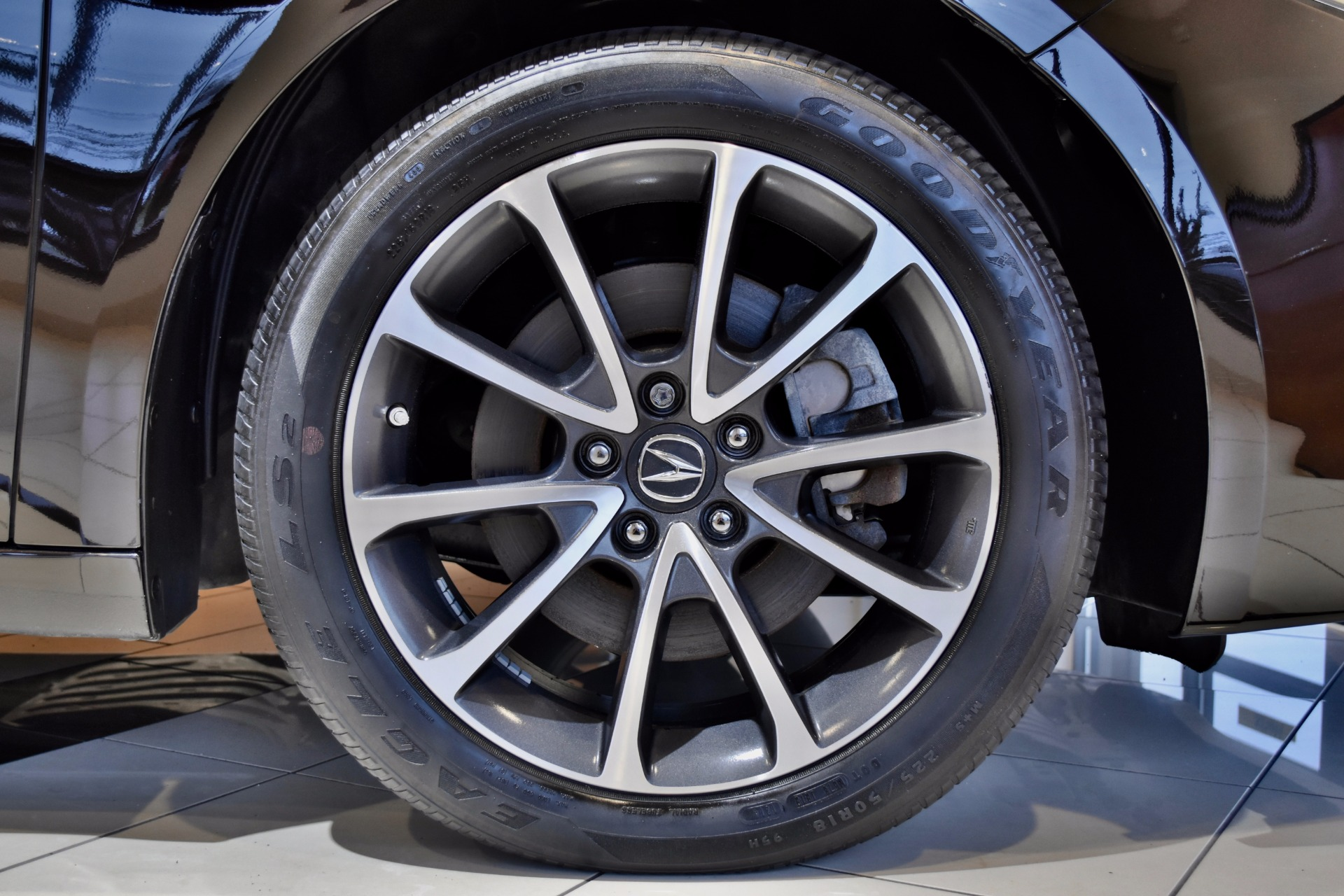 2015 Acura TLX SH-AWD V6 w/Tech for sale near Middletown ...